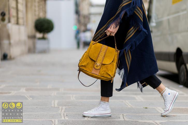 Những đôi giày converse làm bằng vải canvas